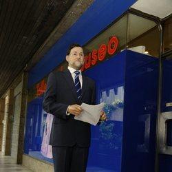 La figura de cera de Mariano Rajoy abandonando el Museo de Cera de Madrid