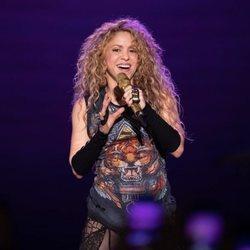 Shakira agradeciendo el cariño de sus fans en su primer concierto de 'El Dorado World Tour'