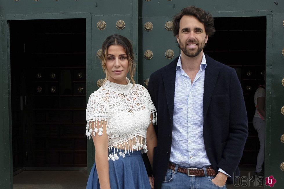 Elena Tablada y Javier Ungría en el bautizo de la hija de Elisabeth Reyes