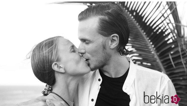 Barron Hilton y Tessa Gräfin von Walderdorff casados