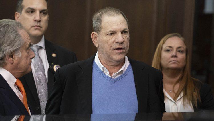Harvey Weinstein junto a su abogado en el juicio del 30 de mayo en la Corte de Nueva York