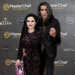 Alaska y Mario Vaquerizo en la inauguración del restaurante de 'MasterChef' en Madrid
