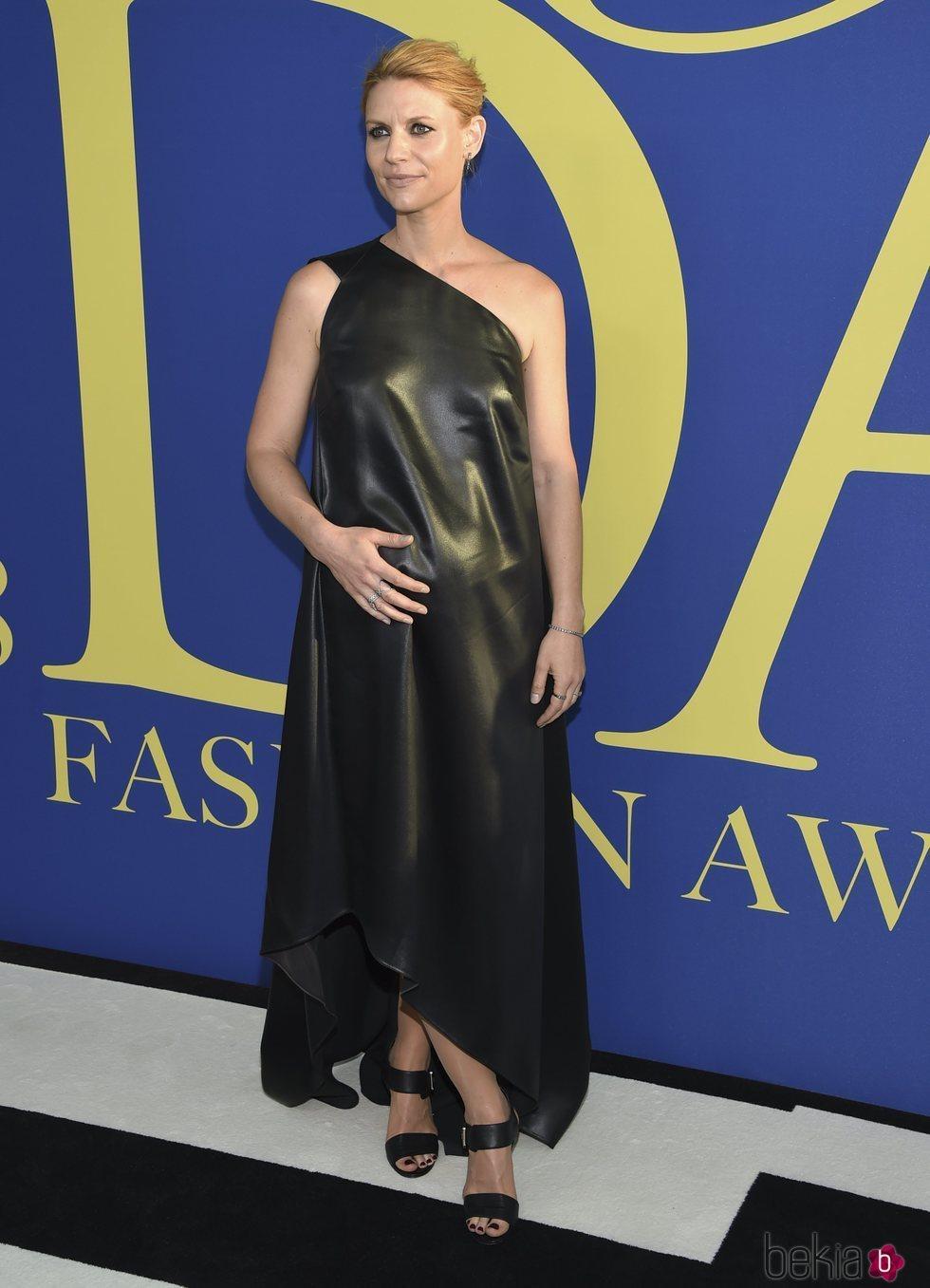 Claire Danes en la alfombra roja de los CFDA Fashion Awards 2018