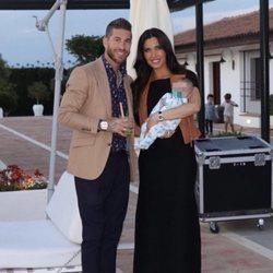 Pilar Rubio y Sergio Ramos disfrutando de una fiesta familiar con su hijo Alejandro
