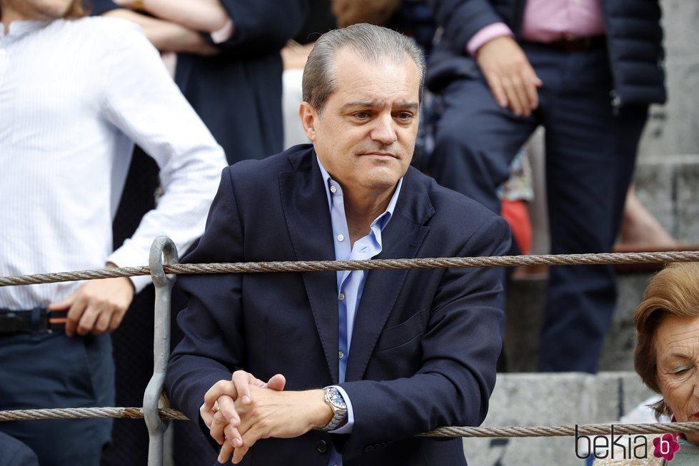Ramón García disfrutando de los toros en la Corrida de la Prensa 2018