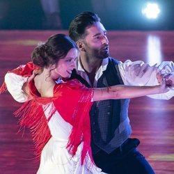 Yana Olina y David Bustamante bailando un pasodoble