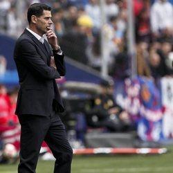 Fernando Hierro ejerciendo de entrenador del Real Oviedo