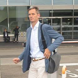 Iñaki Urdangarin regresa a Ginebra tras recoger su orden de ingreso en prisión