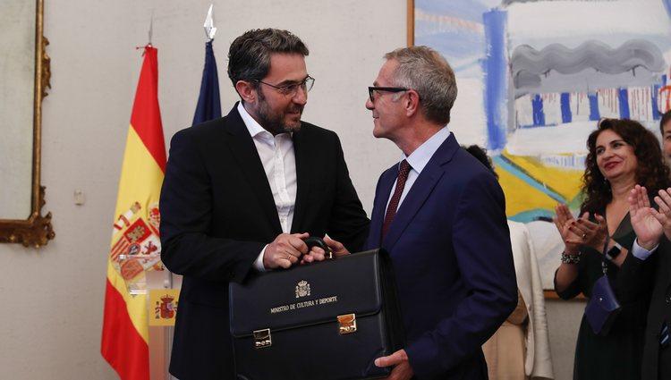 Màxim Huerta hace entrega de la cartera del Ministerio de Cultura y Deporte a José Guirao