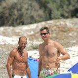 Iñaki Urdangarin y Kyril de Bulgaria con el torso desnudo en Mallorca