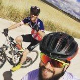 Nacho y Álex Fernández practicando ciclismo