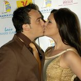 Beso entre María Jesús Ruiz y Dani Dj