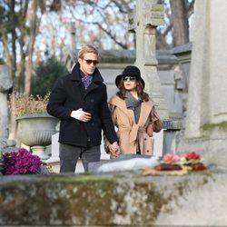 Ryan Gosling y Eva Mendes dan un romántico paseo por París