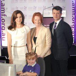 Federico y Mary de Dinamarca con la Primera Ministra de Australia