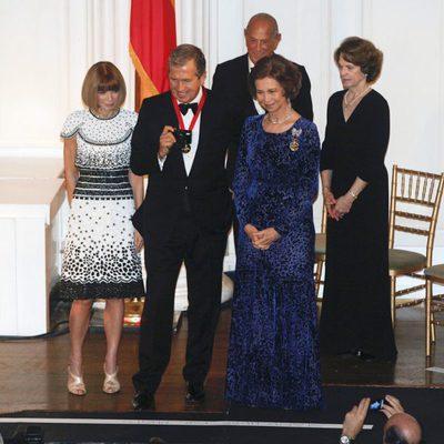 Anna Wintour, Mario Testino y la Reina Sofía en la 2011 Gold Medal Gala