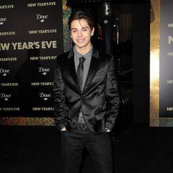 Jake T. Austin en el estreno de 'New Year's Eve' en Los Angeles
