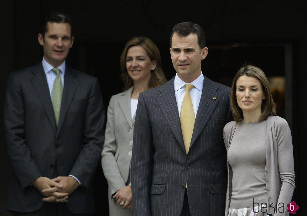 La Infanta Cristina e Iñaki Urdangarin con los Reyes Felipe y Letizia