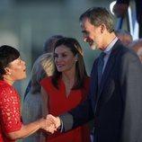 Los Reyes Felipe y Letizia saludan a la alcaldesa de Nueva Orleans