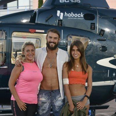 Raquel Mosquera, Logan y Sofía Suescun al bajar del helicóptero en la final de 'Supervivientes 2018'