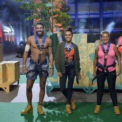 Logan, Raquel Mosquera y Sofía Suescun con los arneses de la prueba de 'Supervivientes 2018'