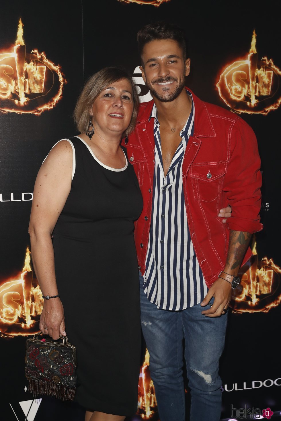 Hugo Paz y su madre, Mercedes Cruz, en la Fiesta Final de 'Supervivientes 2018'