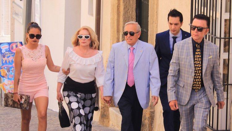 Gloria Camila, José Ortega Cano y otros familiares acudiendo al bautizo de la hija de José Fernando Ortega