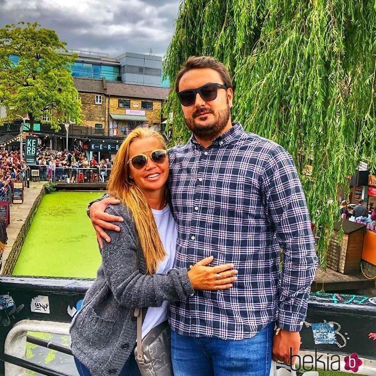 Belén Esteban y Miguel durante un viaje a Londres