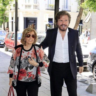 María Teresa Campos y Bigote Arrocet acuden a celebrar el cumpleaños de la periodista