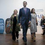 Los Reyes Felipe y Letizia visitando el Museo de Arte de San Antonio