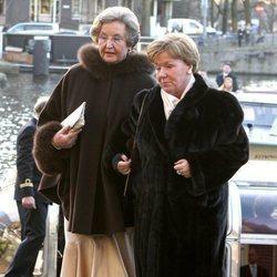 La Princesa Cristina de Holanda y su dama de honor en el 70 cumpleaños de su hermana, la Princesa Beatriz de Holanda