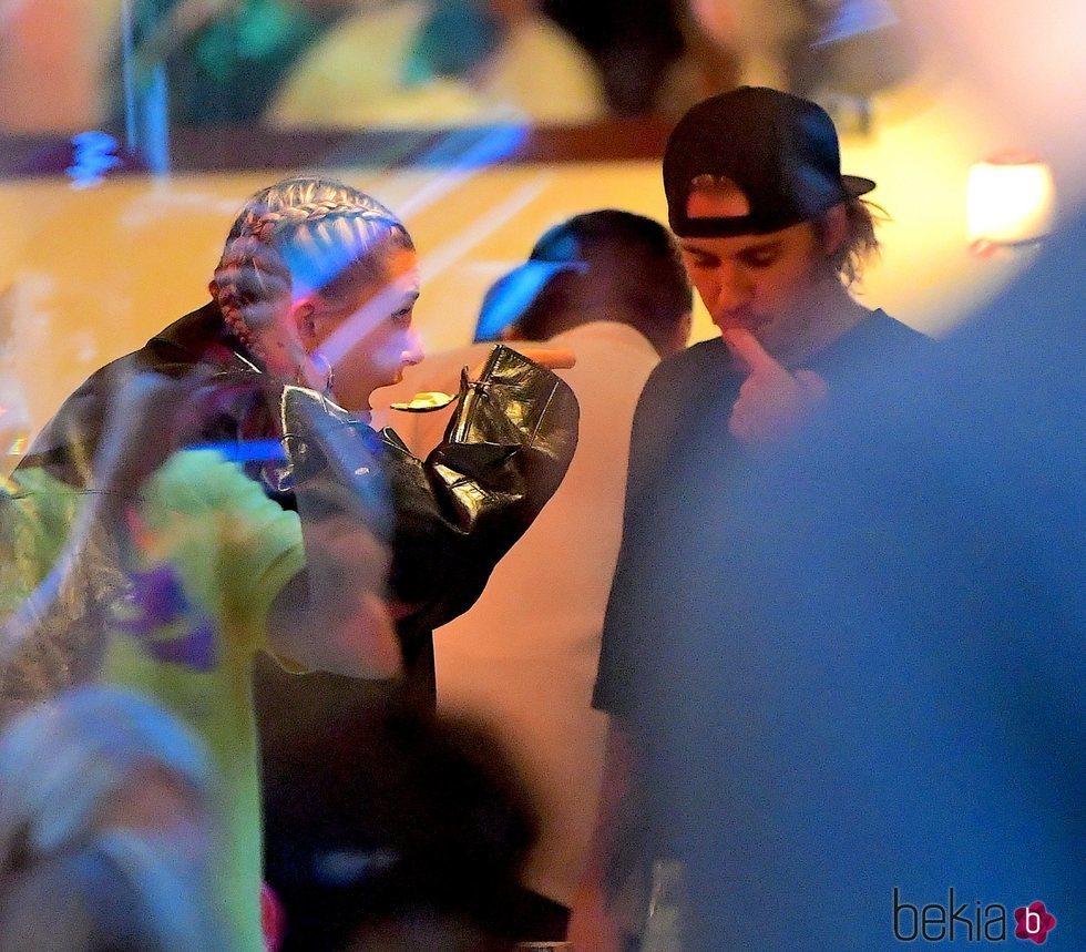 Justin Bieber y Hailey Baldwin disfrutan de una velada en Nueva York