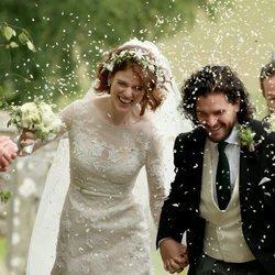 Kit Harington y Rose Leslie tras convertirse en marido y mujer