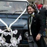 Kit Harington, sonriente tras la celebración de su boda