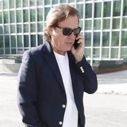 Pepe Navarro acudiendo a la firma de su divorcio