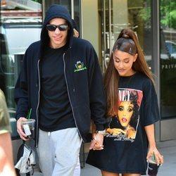 Ariana Grande y Pete Davidson de paseo por Nueva York