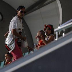 Algunos familiares durante un entrenamiento de la Selección Española