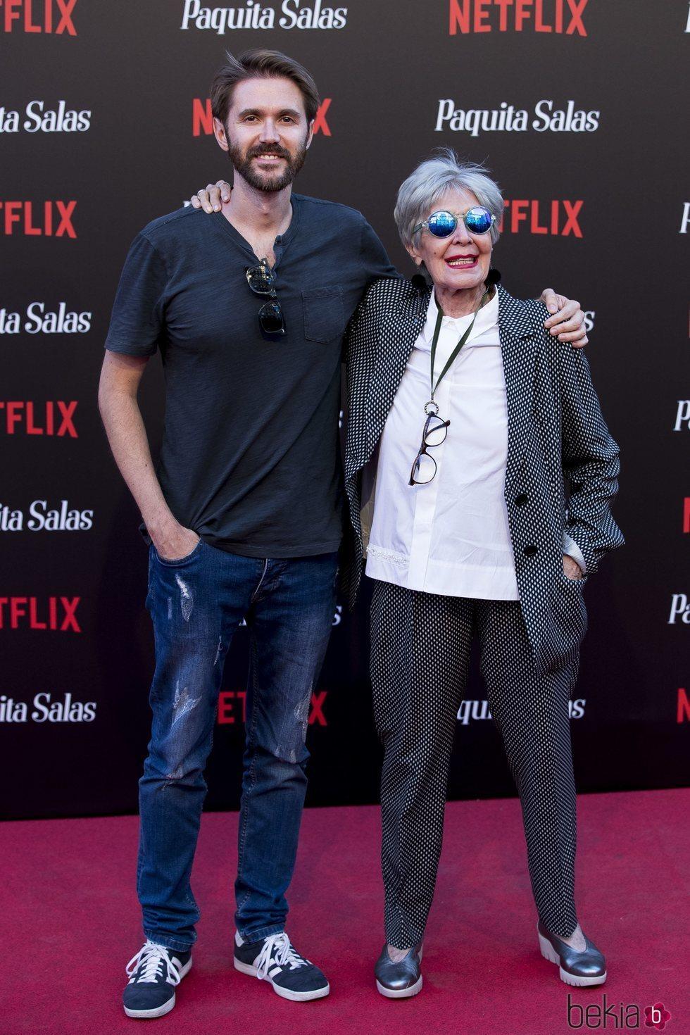 Concha Velasco y su hijo Manuel en la premiere de la segunda temporada de 'Paquita Salas'