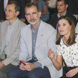 Los Reyes Felipe y Letizia y Pedro Duque en el encuentro anual 'Rescatadores de talento'