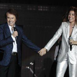 Raphael y Miriam de la mano en el concierto 'OT Bernabéu'
