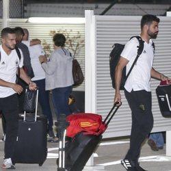 Diego Costa y Koke en el Aeropuerto Adolfo Suárez