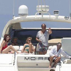 Ana Rosa Quitana,Juan Muñoz y unos amigos en el yate en Formentera