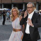 Ramón García y Patricia Cerezo por las calles de Madrid