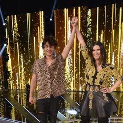 Pol Granch y Laura Pausini tras convertirse en el ganador de 'Factor X'