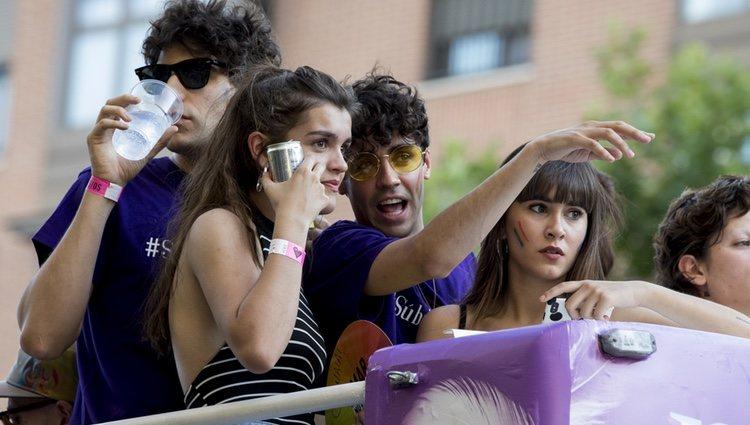 Amaia, Aitana, Javier Calvo y Javier Ambrossi en la carroza de Netflix en el Orgullo 2018