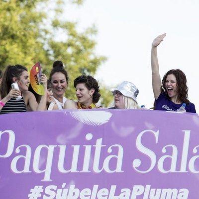 Amaia Romero, Javier Ambrossi, Ana Milán, Aitana y Lidia San José en la carroza de Netflix en el desile del Orgullo 2018