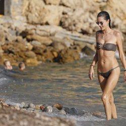Alessandra Ambrosio disfruta en Ibiza