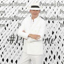 Boris Izaguirre en el front row de Pedro del Hierro en Madrid Fashion Week primavera/verano 2019