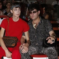 Alejandro Palomo Spain y Pol Roig en el front row de Maria Ke Fisherman en Madrid Fashion Week primavera/verano 2019