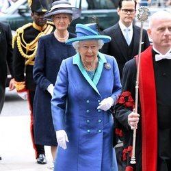 La Reina Isabel en la celebración del centenario de la RAF