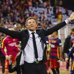 Luis Enrique celebrando un título con el Barça